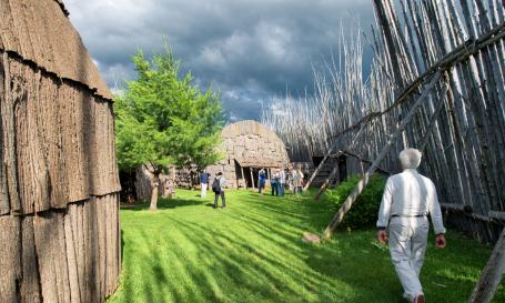 Centre d'interprétation du site archéologique Droulers-Tsiionhiakwatha